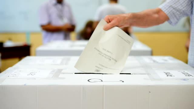 vidéos et rushes de impossible a reconnaitre vote - picto urne