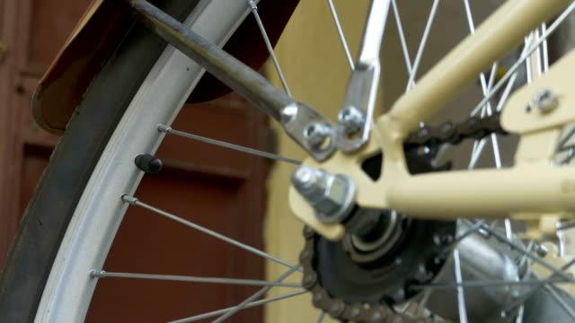 unscrew bike tyres cap - bike tire tracks video stock e b–roll