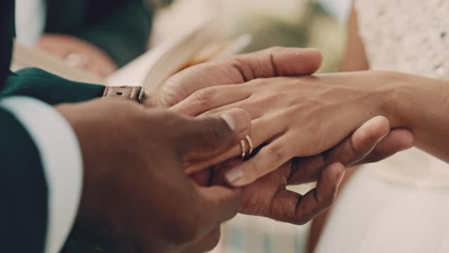 vídeos y material grabado en eventos de stock de hasta que la muerte nos separe - novio relación humana