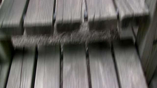 梯子までのプレイグラウンド、スライダー - 階段点の映像素材/bロール