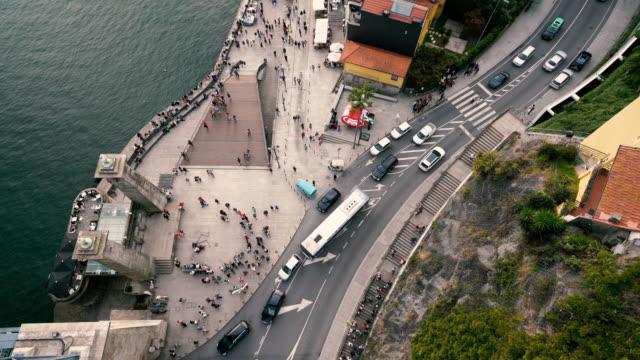 ポルトガル、ポルトの上空からの都市の群衆 ビデオ