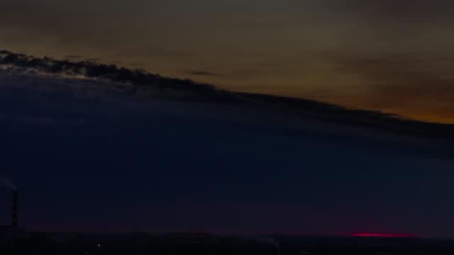 都市の劇的な夕日 ビデオ