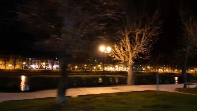 paesaggio notturno urbano di uzhgorod - transcarpazia video stock e b–roll