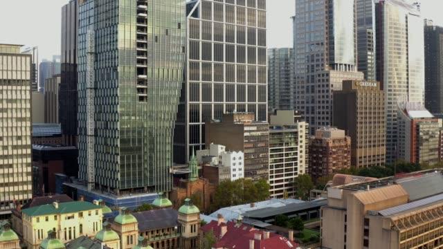 Urban scene cityscape tall buildings - vídeo