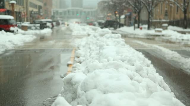Städtischen Straße-Szene während Winter Schneesturm – Video