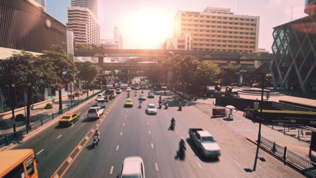 kentsel trafik. bangkok, tayland - bangkok stok videoları ve detay görüntü çekimi