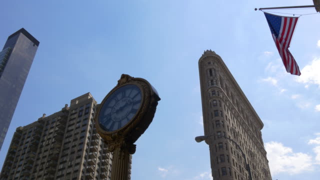 Usa new york summer day flat iron brodway american flag tops 4k video