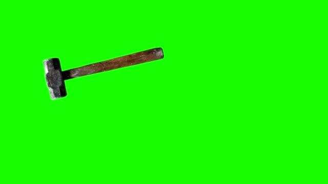 yeşil ekranda kullanılan vintage çekiç aracı animasyon, editörler için renk anahtarı - bahçe ekipmanları stok videoları ve detay görüntü çekimi