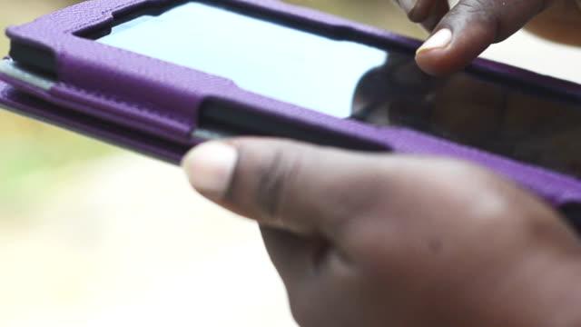 Using kindle digital tablet video
