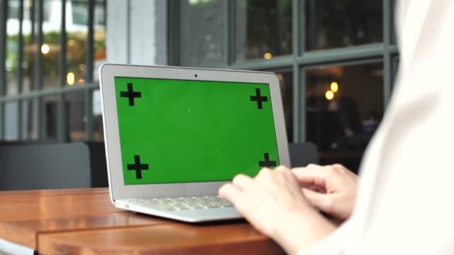 Using Laptop with Chroma key