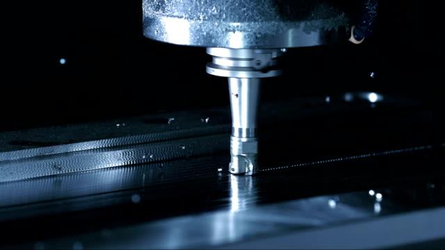 using rotary cutter to remove material (super slow motion) - cnc maskin bildbanksvideor och videomaterial från bakom kulisserna