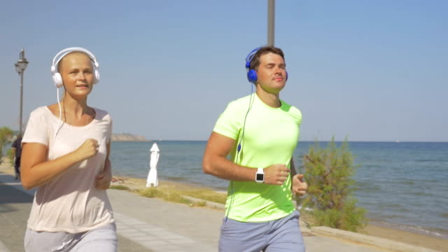 Using Smart Watch during the Morning Jogging video