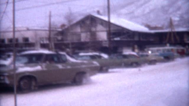utah inverno 1972 - negozio sci video stock e b–roll