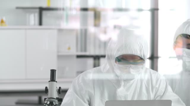 covid-19 : aşı - covid vaccine stok videoları ve detay görüntü çekimi