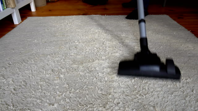 vacuum cleaner - addetto alle pulizie video stock e b–roll