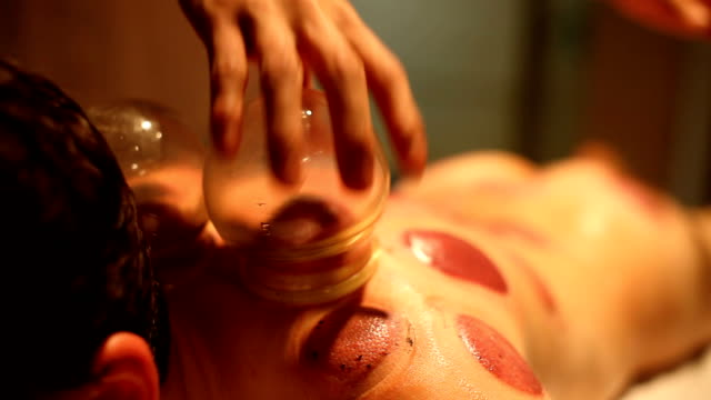 vacuum massage - massageterapeut bildbanksvideor och videomaterial från bakom kulisserna