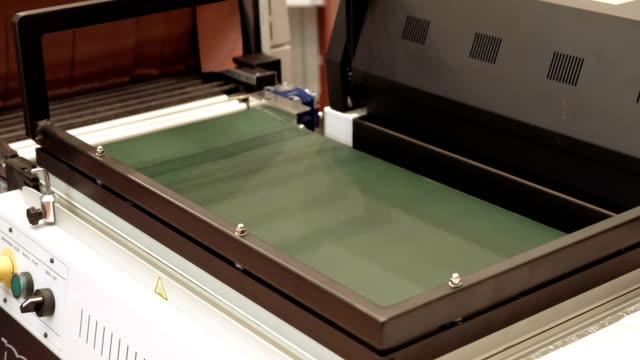 Vacuum package machine on conveyor belt video