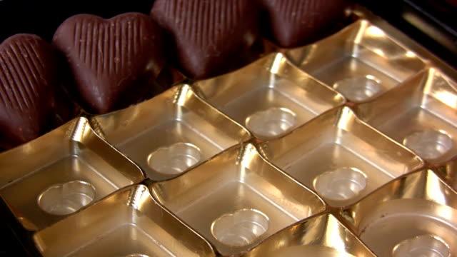 バレンタインデーのチョコレート - バレンタイン チョコ点の映像素材/bロール
