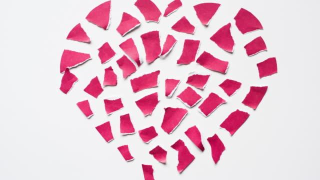 vídeos y material grabado en eventos de stock de día de san valentín stop motion - ripped paper
