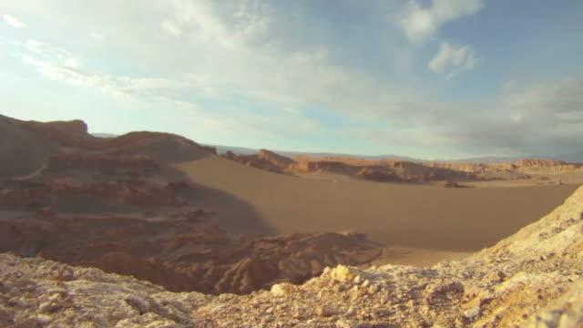 stockvideo's en b-roll-footage met valle de la luna, moon valley sunset time lapse, chile - maasvallei