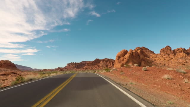 valley of fire - road trip in the united states - nevada video stock e b–roll