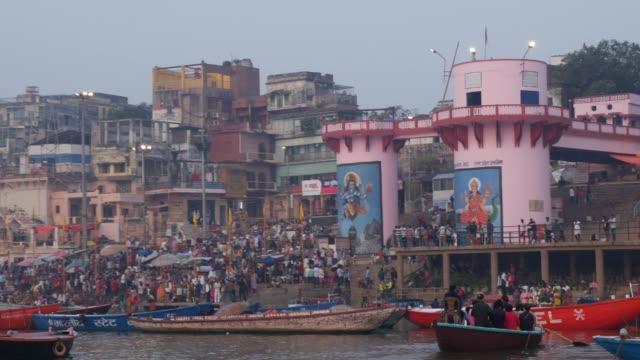 varanasi city, india - ghat filmów i materiałów b-roll