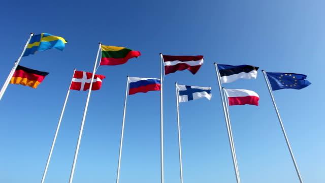 verschiedenen länderflaggen vom baltikum - ostsee stock-videos und b-roll-filmmaterial