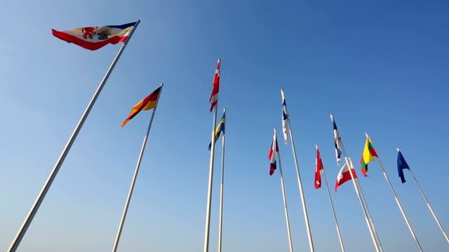 verschiedene länderflaggen aus den baltischen staaten - ostsee stock-videos und b-roll-filmmaterial