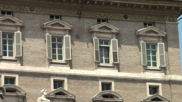 Vatican, Rome: from Pope's window to Bernini's colonnade video