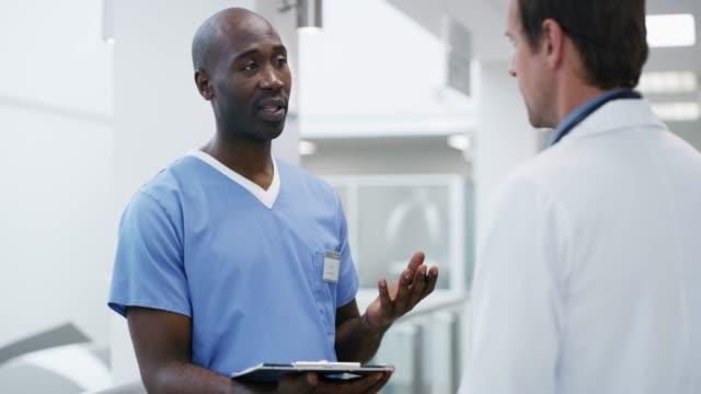 vidéos et rushes de j'ai fait quelques observations sur le patient - infirmier