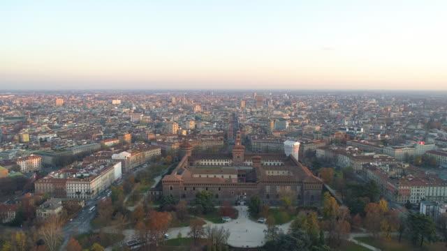 veduta aerea di castello sforzesco - milano. 4k - milano video stock e b–roll