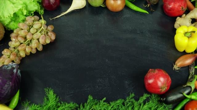 vegane ernährung lebensmittel liste stop-motion - spruchband stock-videos und b-roll-filmmaterial