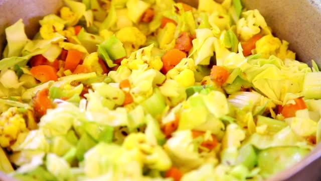 Plato sabzi vegetales - vídeo