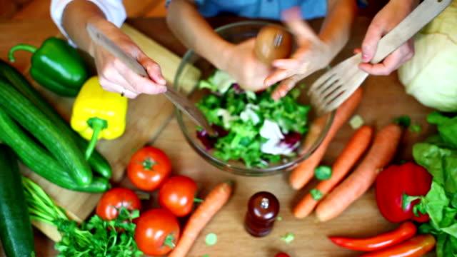 野菜のキッチン - ビーガン点の映像素材/bロール