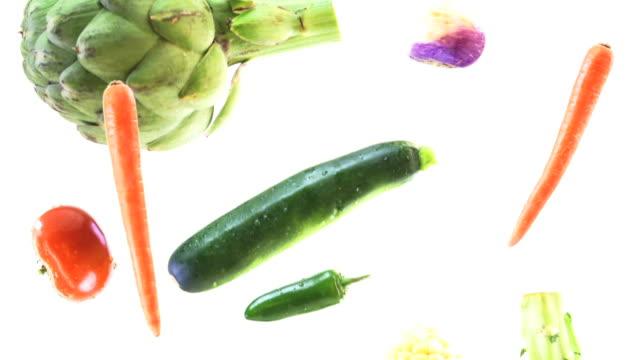 vídeos de stock, filmes e b-roll de legumes chuva hd - legume