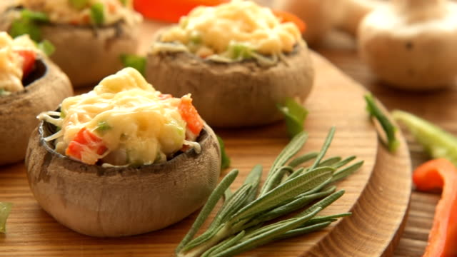 Vegetarian champignon with fresh vegetables and cheese video