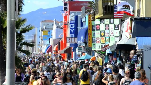 vidéos et rushes de plage et promenade de venice - californie du sud