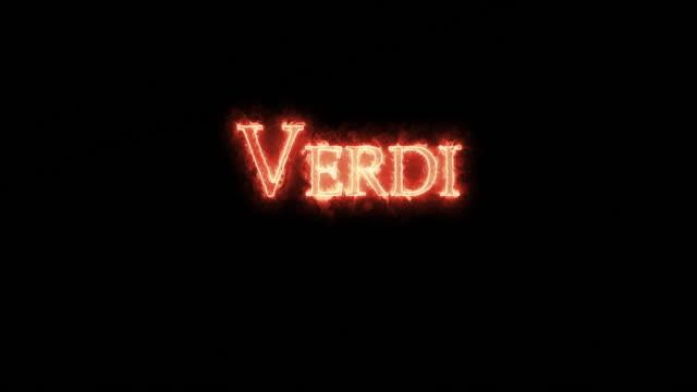 vídeos de stock e filmes b-roll de verdi written with fire. loop - compositor