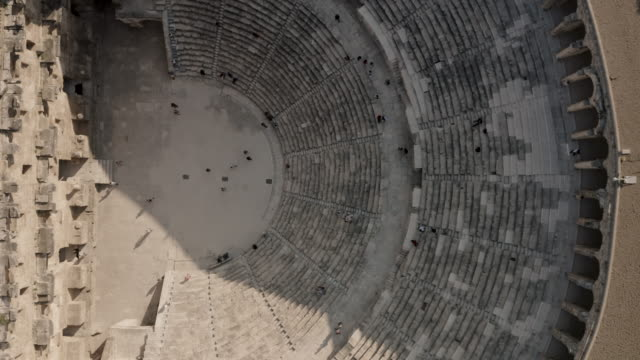 bardzo starożytny budynek. aspendos – grecki amfiteatr - ateny grecja filmów i materiałów b-roll