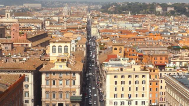 via del corso, rome, lazio / italy - rome road central view video stock e b–roll