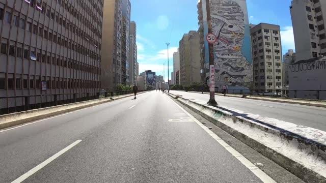 via high president joao goulart, also know as minhocao in sao paulo, hyper lapse - são paulo video stock e b–roll