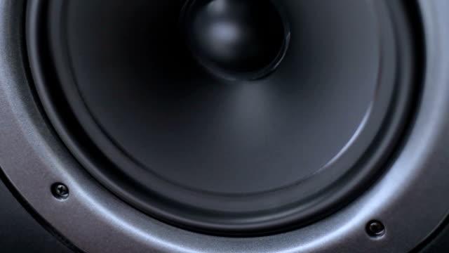 vibrating speaker video