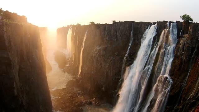 victoria falls zimbabwe, aerial video, africa - obiekt światowego dziedzictwa unesco filmów i materiałów b-roll