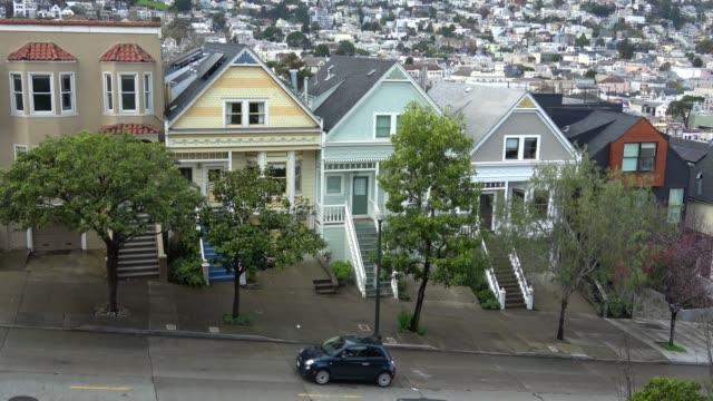 샌 프란 시스 코에서 victorian 건축 술입니다. - 언덕 스톡 비디오 및 b-롤 화면