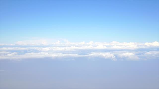 video av flygning ovan molnen i 4k - earth from space bildbanksvideor och videomaterial från bakom kulisserna