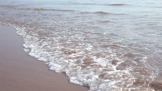 Video of ocean waves in real slow motion video