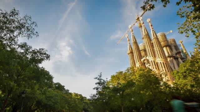 video av sagrada familia - basilika katedral bildbanksvideor och videomaterial från bakom kulisserna