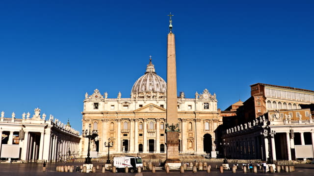 Video timelapse of the Saint Peter Basilica video