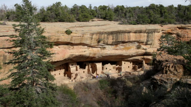 HD video visitors Spruce Tree Pueblo ruins Mesa Verde NP video
