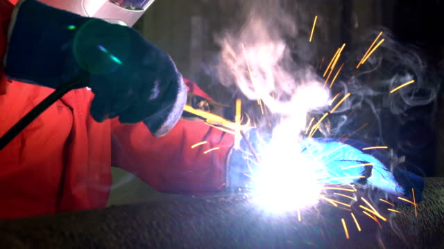 4K Video : Worker welding the steel part